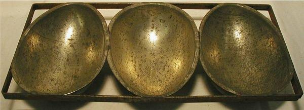 3002: Vintage Easter Egg Molds 7W x 15L