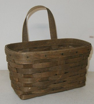 2003: Longaberger 1983 Medium Key Basket
