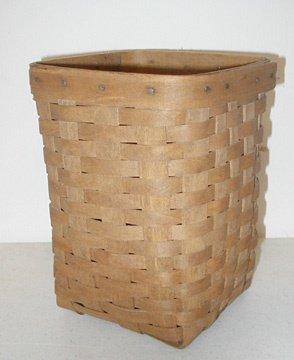 2005: Longaberger 1986 Small Wastebasket