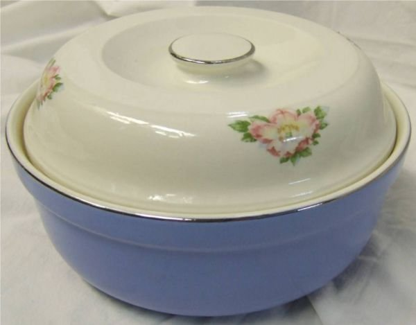 "3002: Hall Royal Rose Casserole with Lid ""Thick"" Rim"