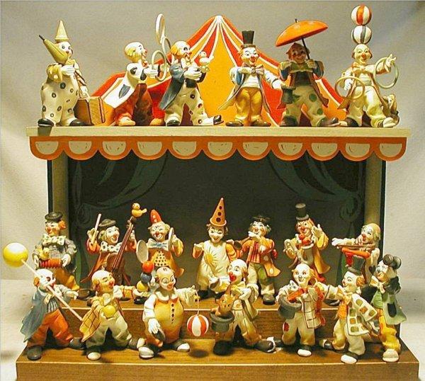 1001: Rare Twenty Anri Toriart Clowns with Display