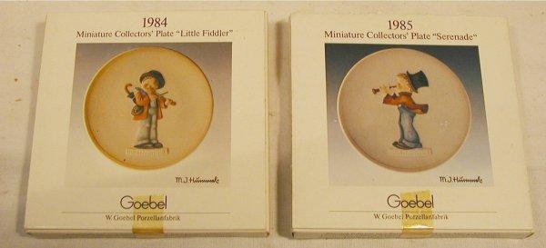 1005: Hummel Mini Plates, 1984 Little Fiddler, 1985 Ser