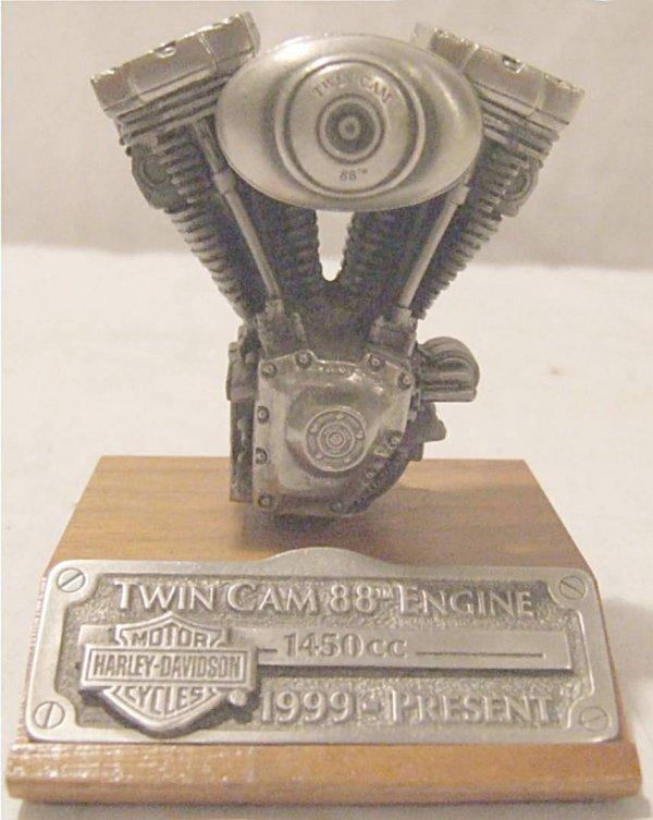 3012: Harley Davidson Twin Cam 88 Engine Replica LE