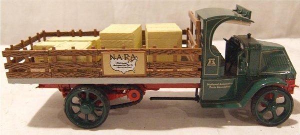 3022: Napa 75th Anniversary 1925-2000 1925 Mack AC Truc