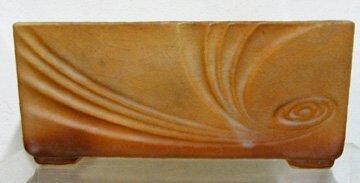 12: Roseville Nova #94-8 Planter Box