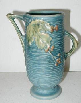 Roseville Blue Bushberry 29-6 Vase