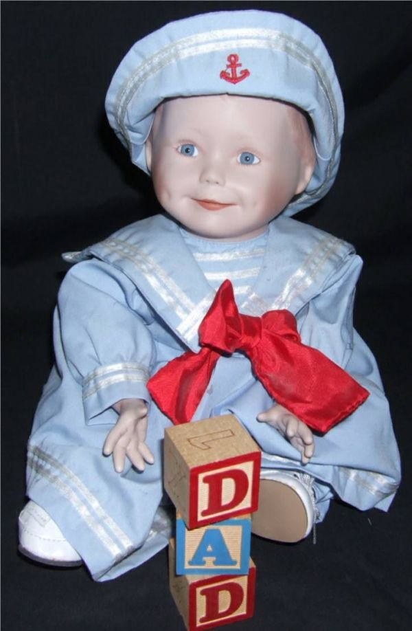 4005: Ashton Drake Yolanda's , Amanda Doll, with Box,