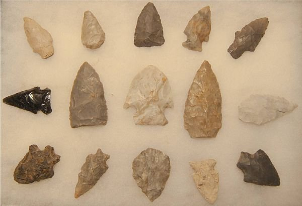 1012: Frame of Points & Flint Knives, 15 Flints