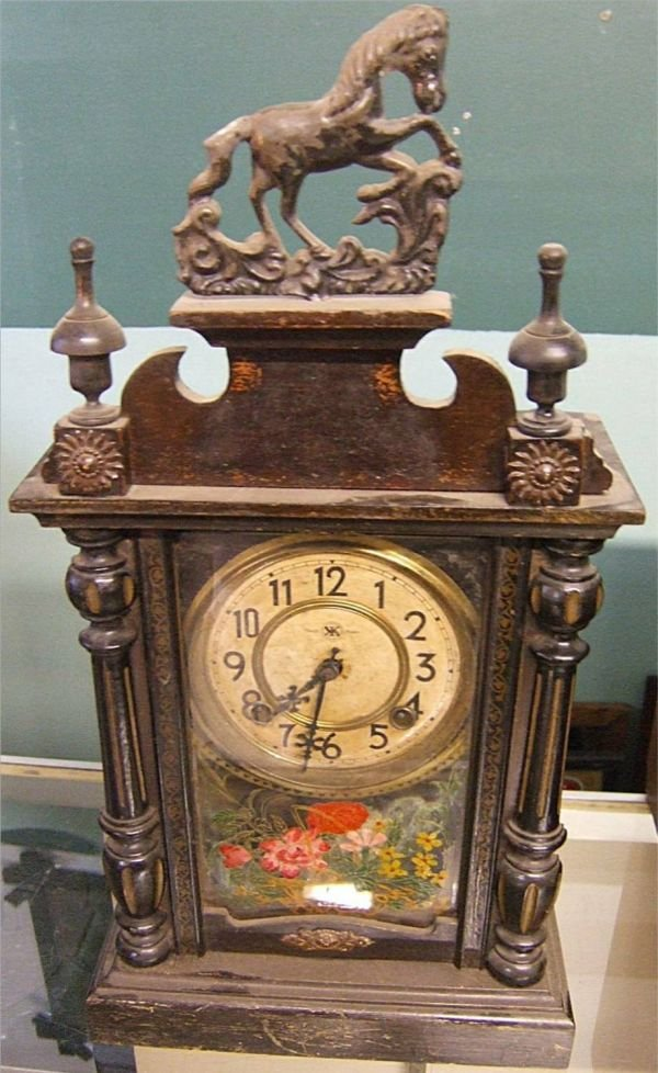 4022: Unusual Chinese Victorian Mantle Clock with Crave