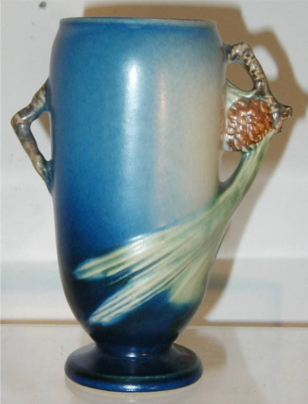 2020: Roseville Blue Pinecone #748-6 Vase