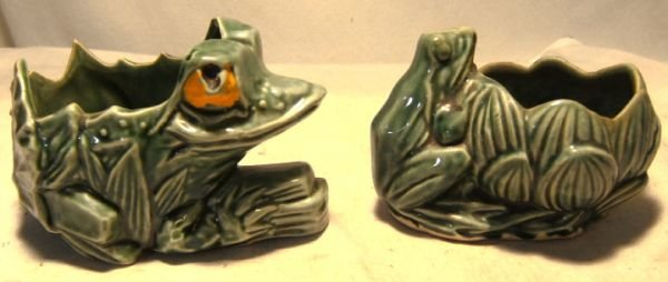 1002: Two McCoy Frog Planters, 5 1/4 x 5 and 3 1/4 x 3