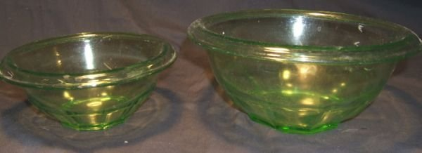 4003: Two Anchor Hocking Green Depression Mixing Bowls,