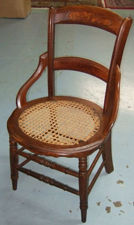 4023: 1800's Victorian Hip Hugger Wicker Seat Chair
