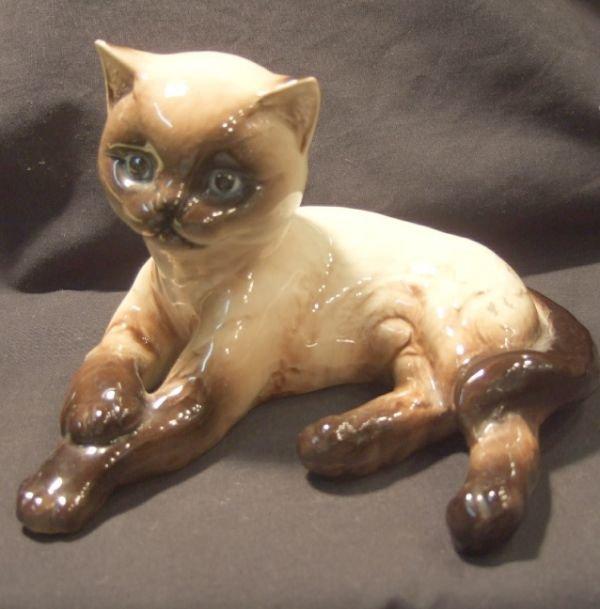 2007: Goebel Siamese Cat, Dated Sept. 1983, 5 1/2 Sq. x