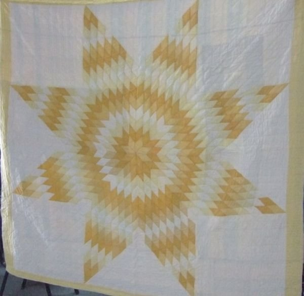 2019: 77 x 77 Lone Star Pattern Quilt, Excellent Condi