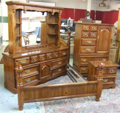 1051: Four Piece Pine Cannonball Bedroom Set ( Consisit