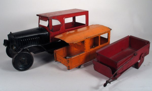 4013: Neff Moon Truck set with Limousine and Dump Truck