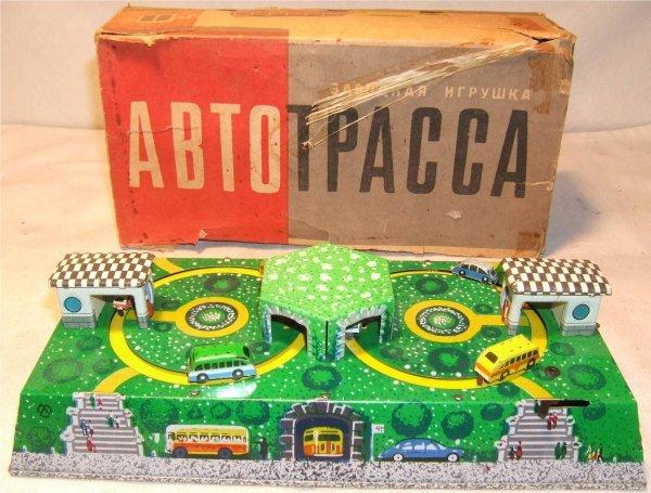 4018: Russian Windup Tin Litho Traffic Toy in Original