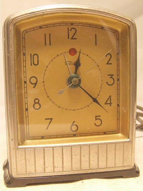 2023: Telechron Art Deco Clock, Works, Alarm Doesn't