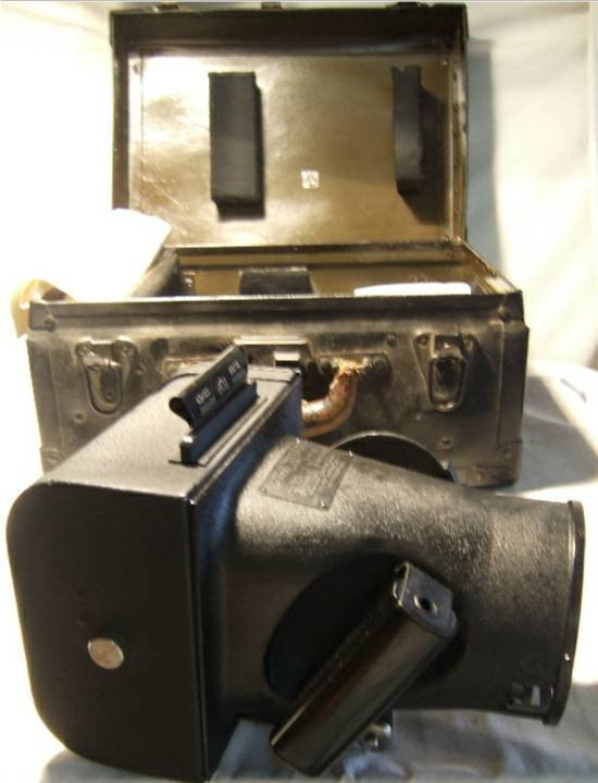 3025: Fairchild Type K20 WWII Aircraft Camera with orig
