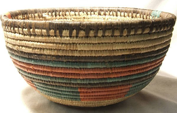 3002: Hausa tribe of Nigeria,Africa Basket , 9 1/4 Dia