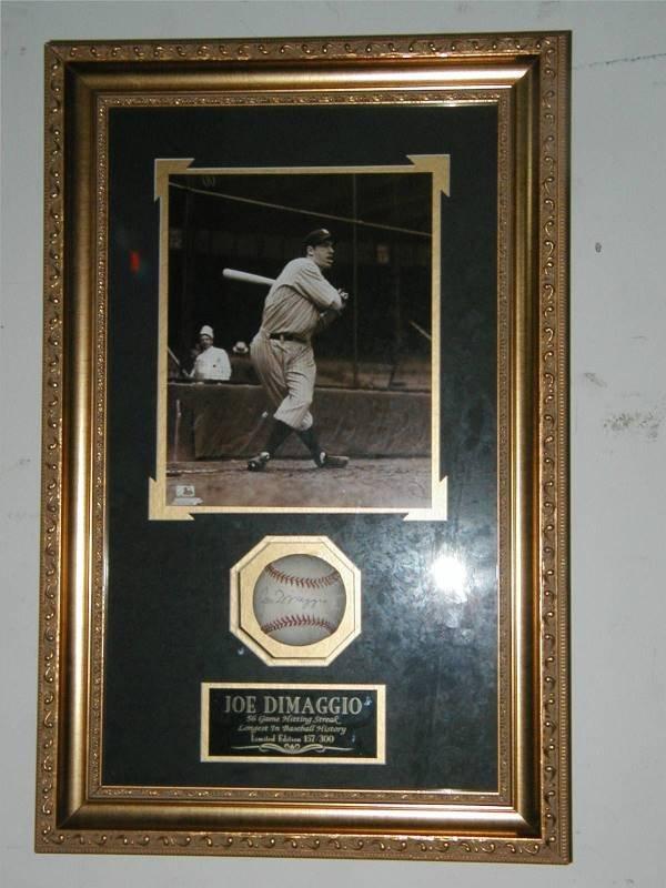 1020: Joe Dimaggio LE Autographed Baseball & Photo