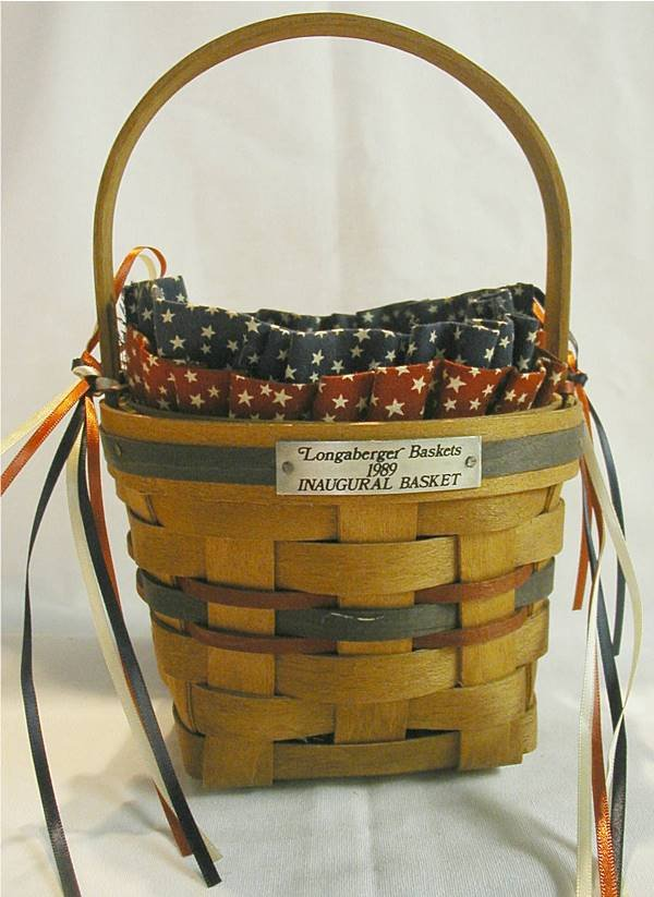 1013:Longaberger 1989 Inagural Basket P/L, Signed by