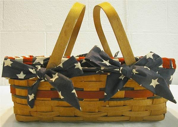 2001: Longaberger 1992 All American Small Market Basket