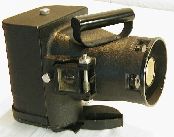 4023: WWII Fairchild Aircraft Camera, Cased with Film a