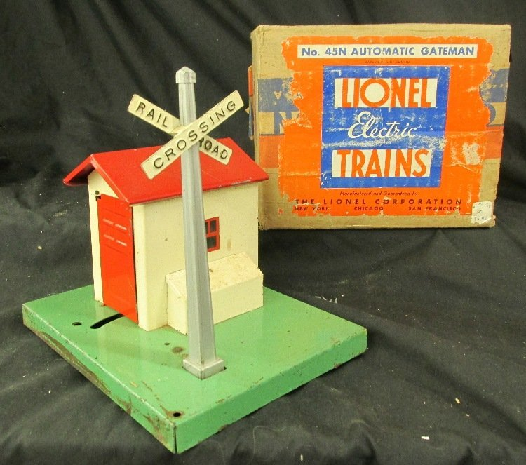 Lionel #45N Automatic Gateman with box