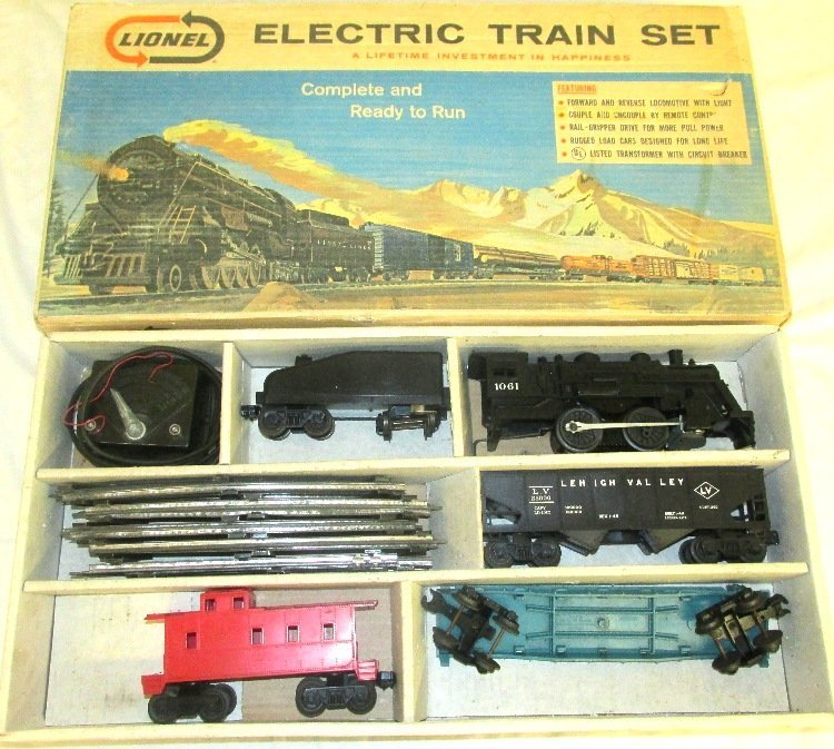 Lionel Freight Train Set #19500 with box