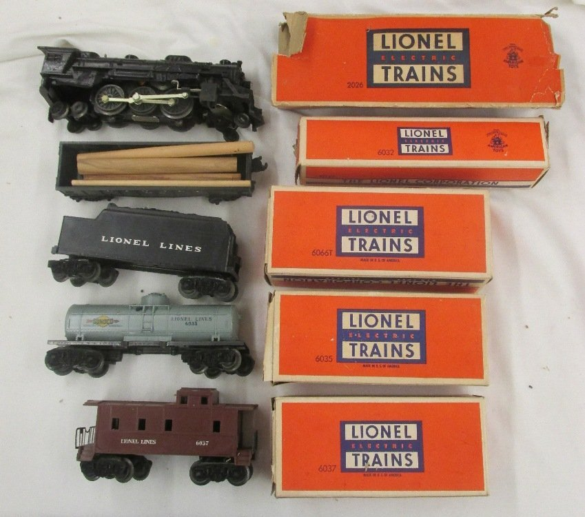 Lionel #207 Freight Train Set with boxes