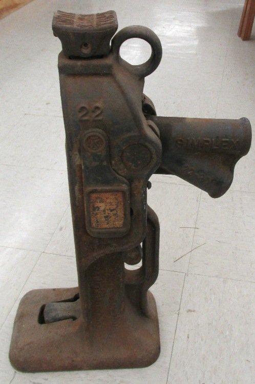 Vintage Simplex #22 Railroad 10-Ton Jack, Weighs 62 lbs