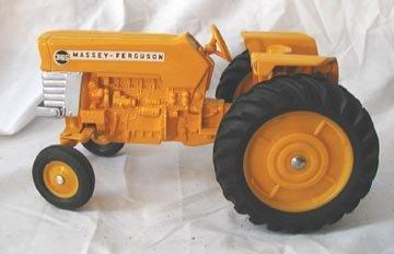 572: Ertl Massey-Ferguson 3165 Tractor