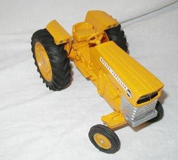 572: Ertl Massey-Ferguson 3165 Tractor - 2