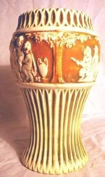 Roseville 106-10 Donatello Vase