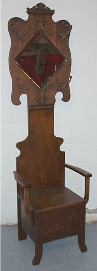 1011: Quatersawn Oak Applied Carved Hall Seat with