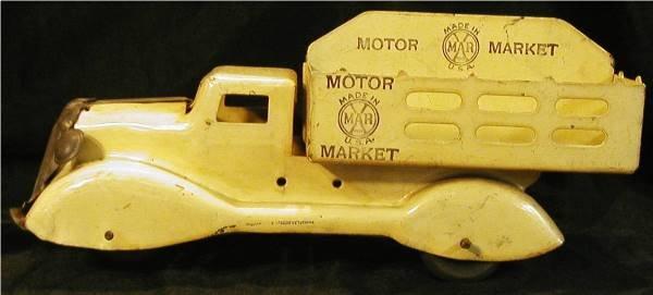 1014: Marx Motor Market Truck