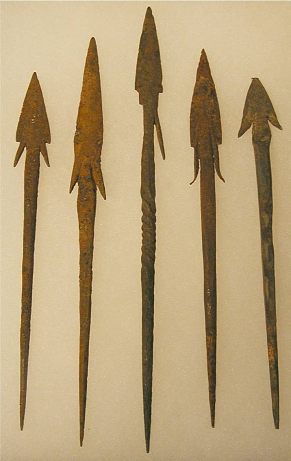 3013: Five Handforged Metal Spearpoints
