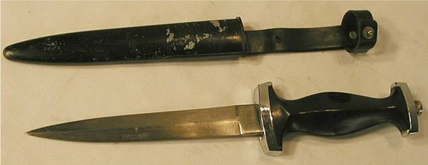 3079: WWII German Black Panther Dagger and Sheath