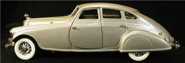 1001: Danbury Mint 1933 Pierce Silver Arrow NM