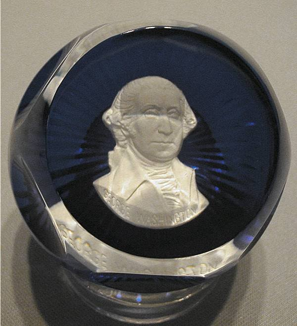 1020: Baccarat George Washington Paperweight