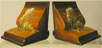 2118: Roseville 15 Fressia Bookends (pair)
