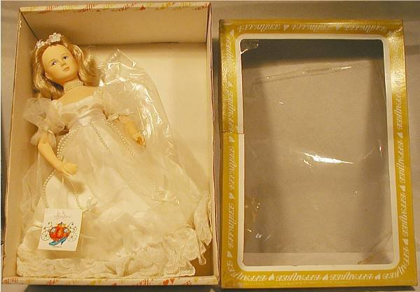 3006: Effanbee Cinderella with Box, 16 1/2""