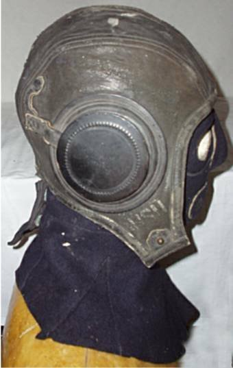 4002: USN WWII Flight Helmet & Face Mask