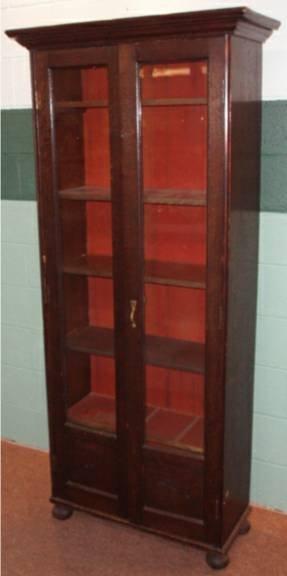 1015: Quartersawn Oak Double Glass Door Doctor's Cabine