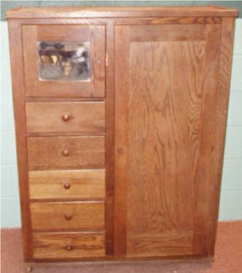 2018: Oak Bachelor's Cabinet with Pull Down Desk Drawer
