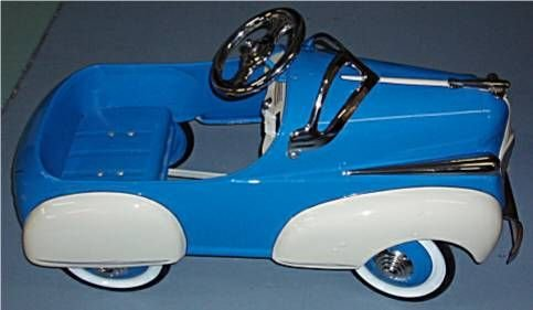 4069: Steelcraft 1941 Chrysler Pedal Car