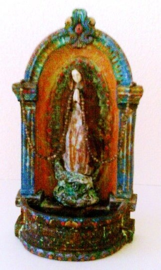 Nicho with Virgin Mary and Rosary