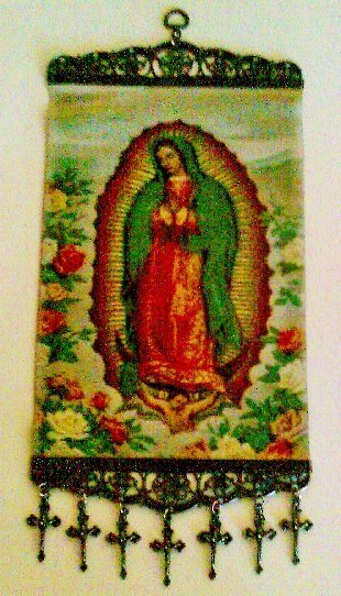 Virgen de Guadalupe Tapestry